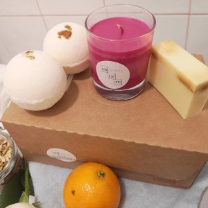Healing Light Artemis Essential Oil Candle Bath Bomb and Soap Gift Set Main Image